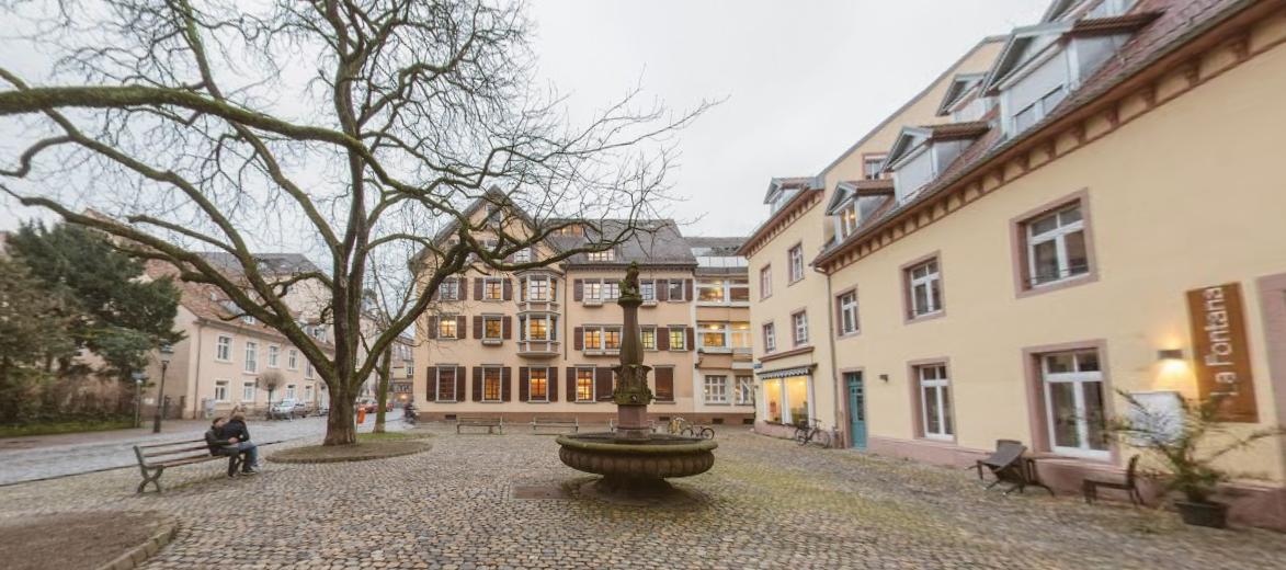 Adelhouser Platz